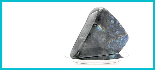 VYHRAJTE minerál LABRADORIT s výnimočnými vlastnosťami!